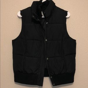 Size Large Womens puffer vest